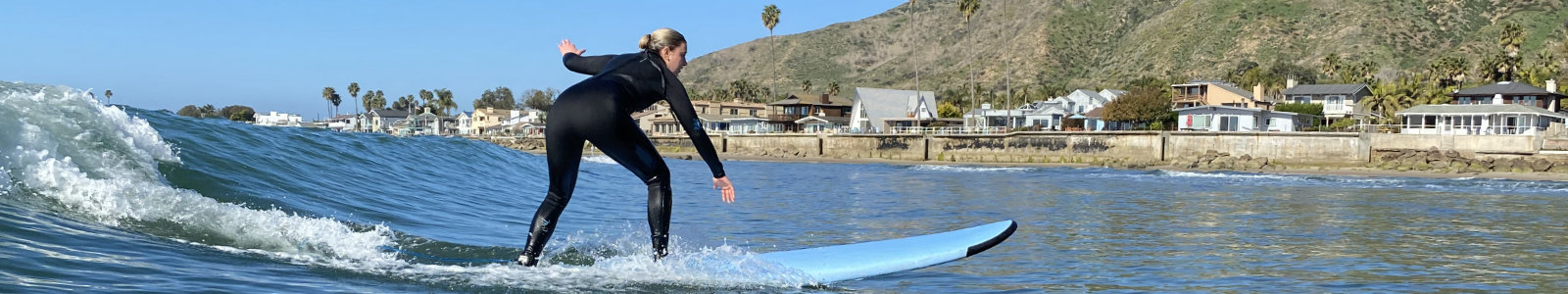 surfboard rental on waves at mondos